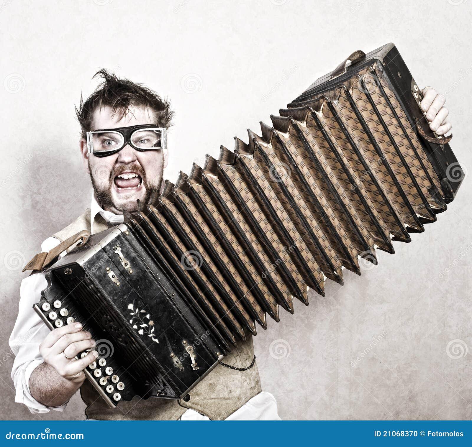 Steampunk игрока аккордеони