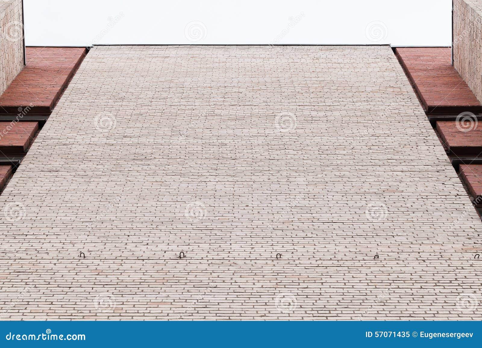 Stedelijk architectuurfragment, grijze bakstenen muur