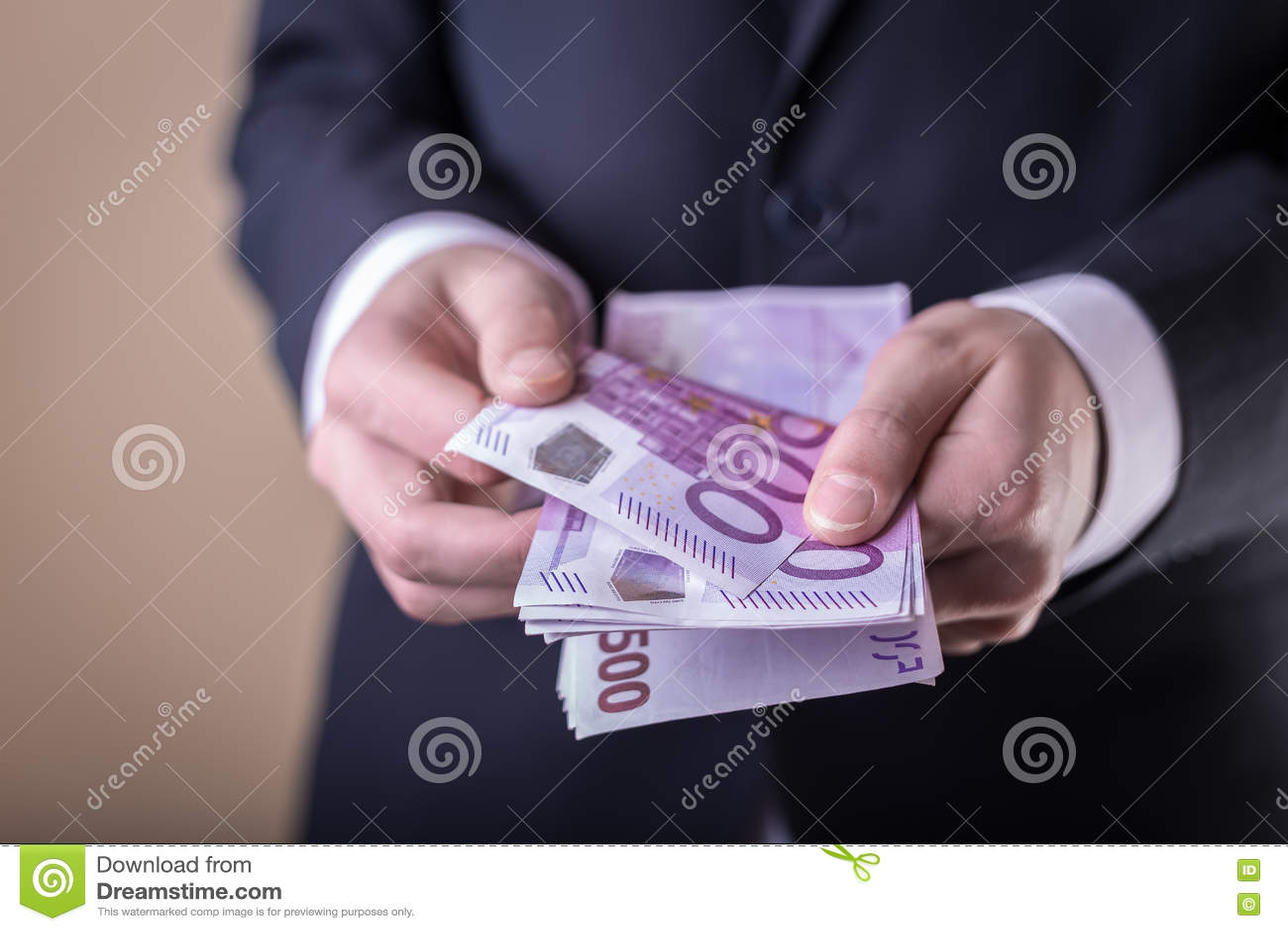 Steekpenning en corruptie met euro bankbiljetten