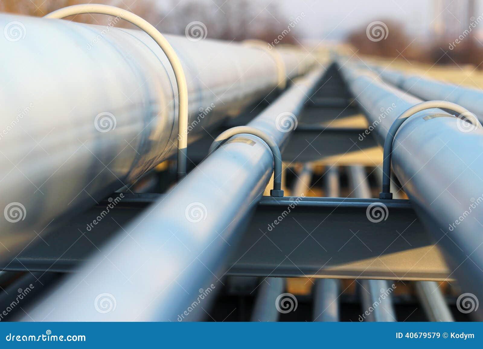 steel-light-pipeline-oil-refinery-detail