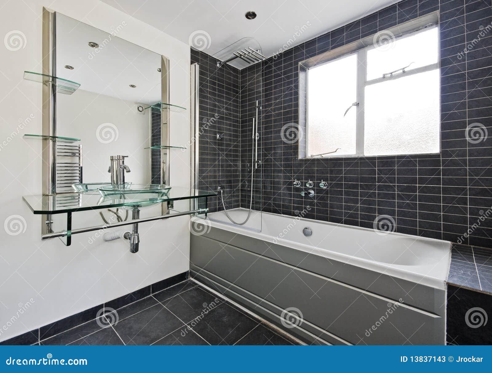 Steen betegelde badkamers stock afbeelding afbeelding bestaande uit binnenlands 13837143 - Moderne betegelde vloer ...
