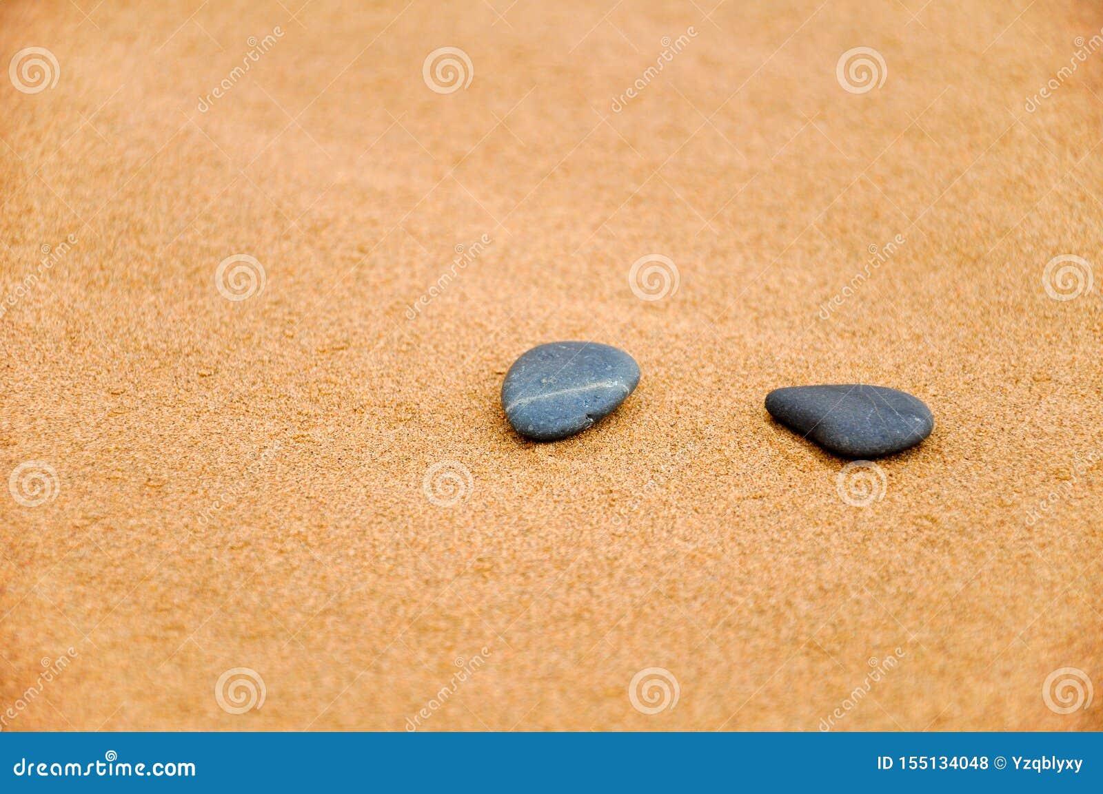 Steen in woestijn