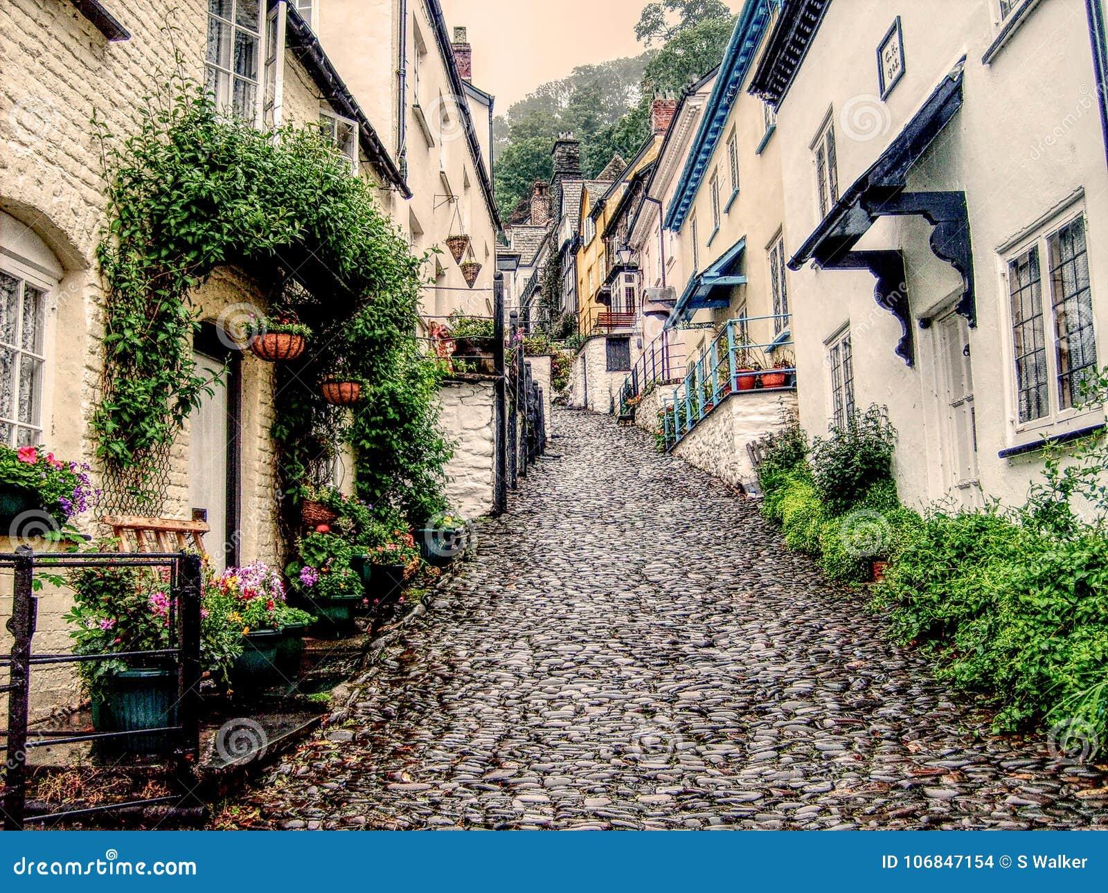 Steil cobbled straat in Clovelly, Devon
