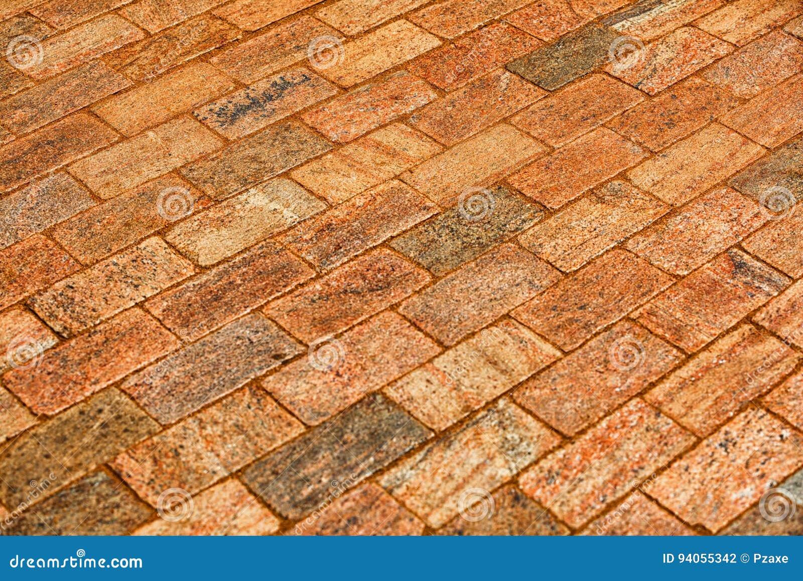 Fußboden Aus Alten Ziegeln ~ Stein deckte fußboden mit ziegeln stockfoto bild von religion