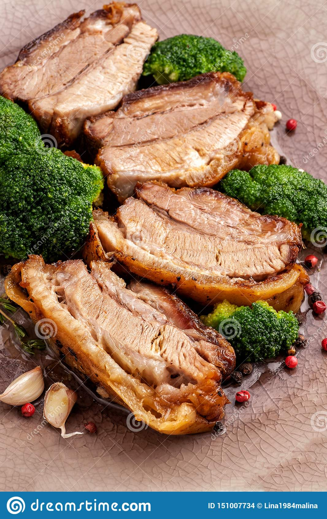 Stekt grisköttbuk med broccoli