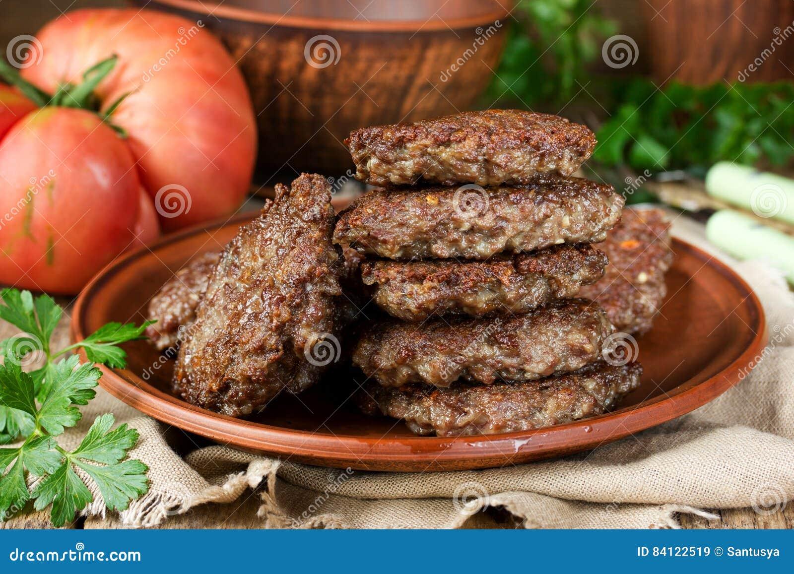 Stekte leverpannkakor eller kotletter