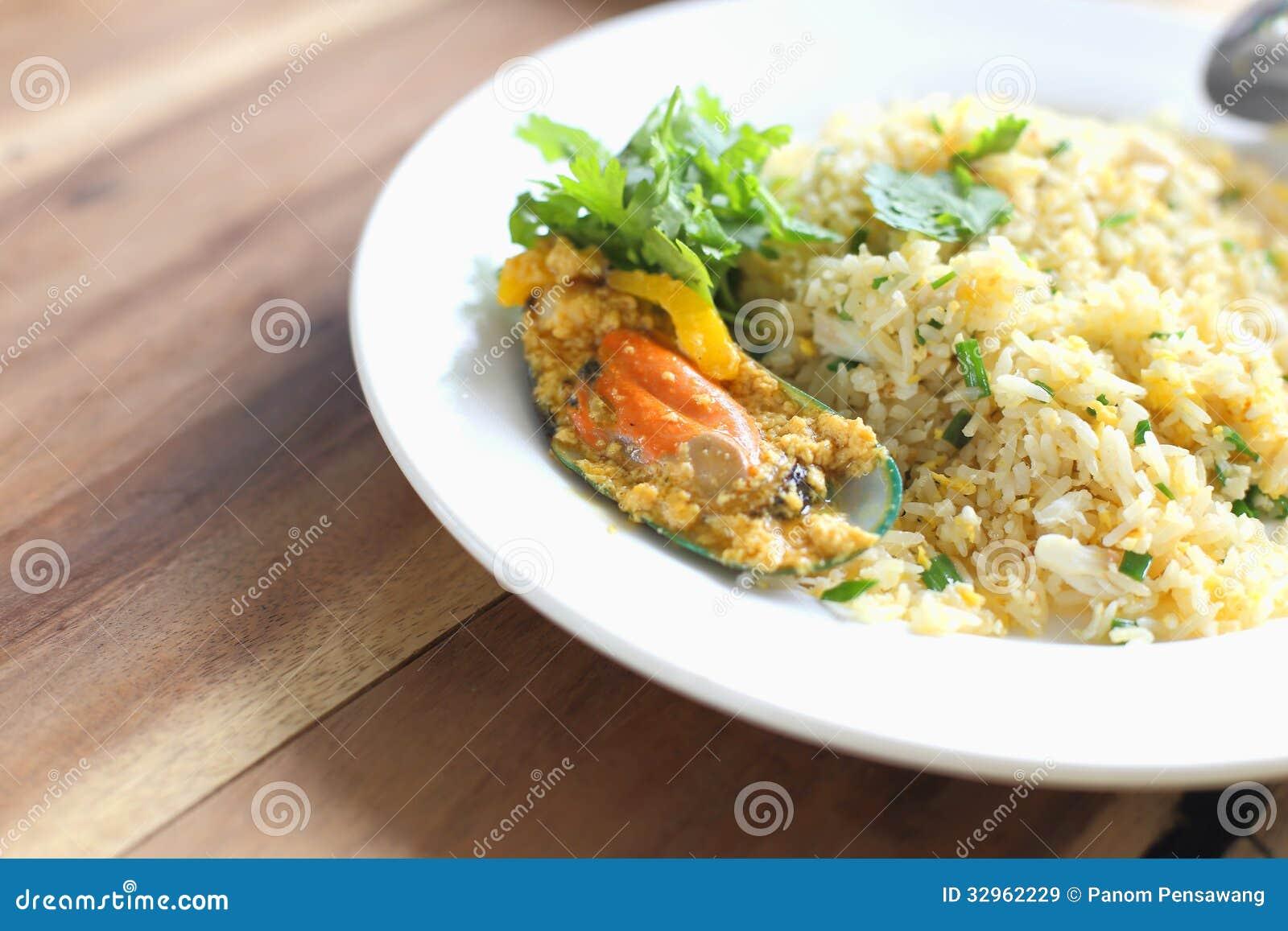 Stekte ris med musslor