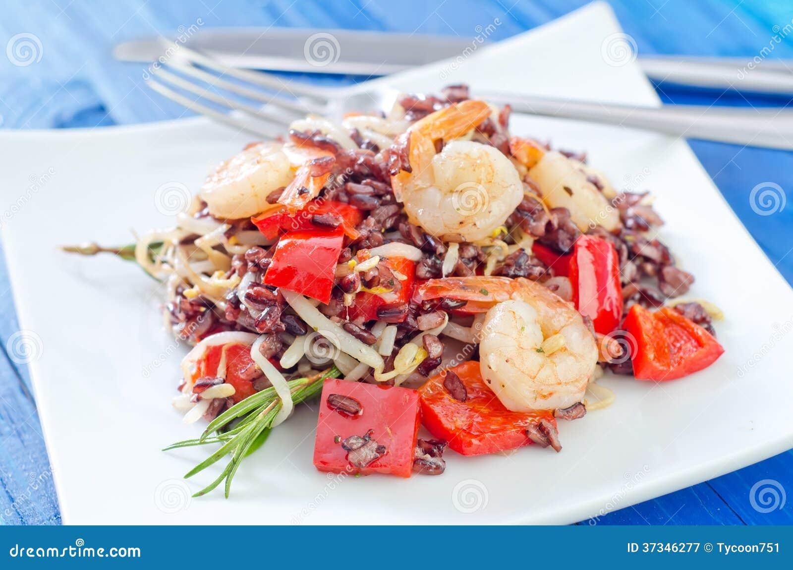Stekte ris med räkor