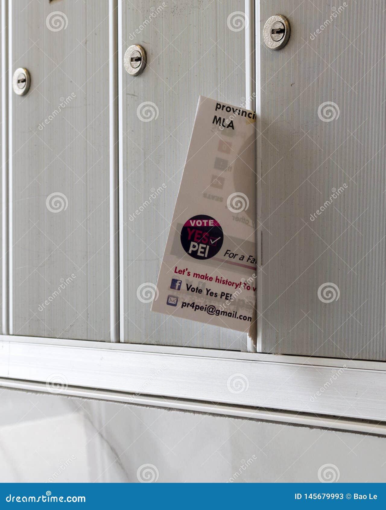 Stem ja aan MMP, signage van het Gemengde referendum van de Lid Evenredige Vertegenwoordiging MMP in de brievenbus
