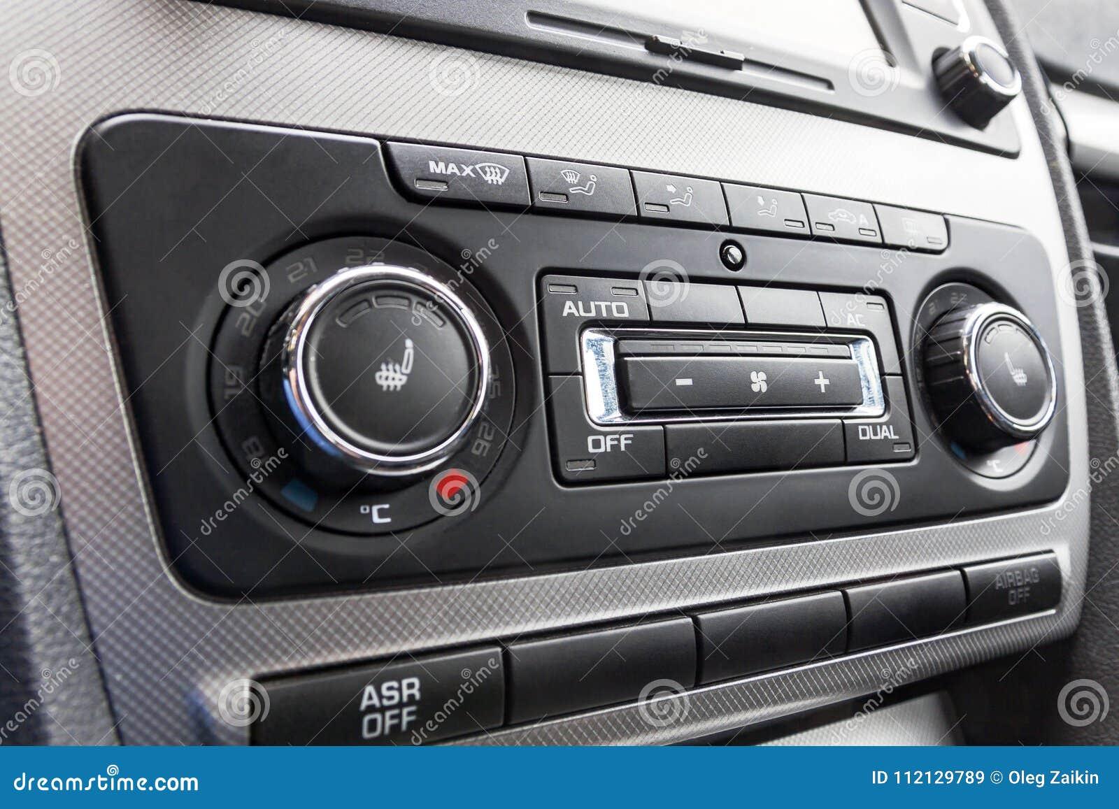 Stemmende de temperatuurcontrole van de bestuurdershand in het systeem van de autoairconditioning Het koelen van het klimaat in v