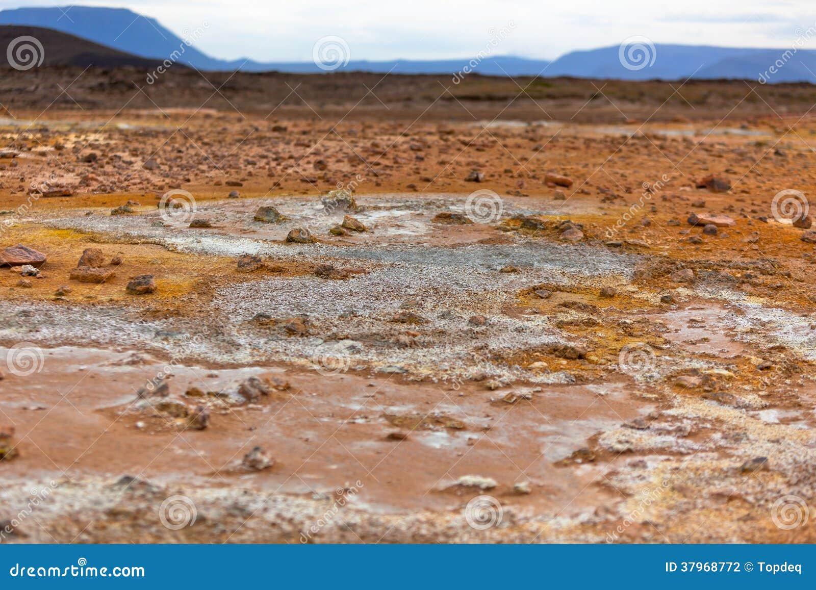 Stenöken på geotermiskt område Hverir, Island
