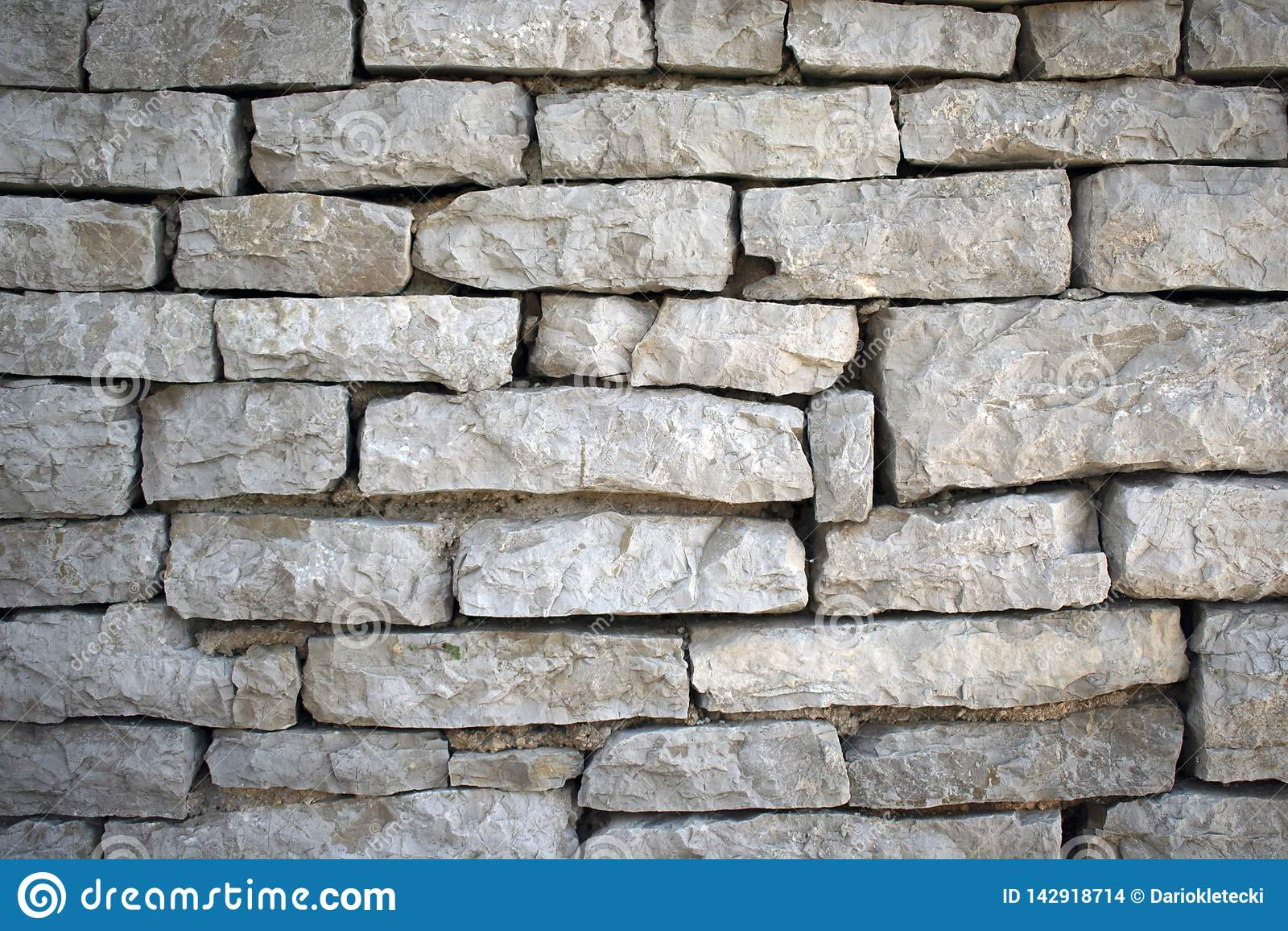 Sten wall6