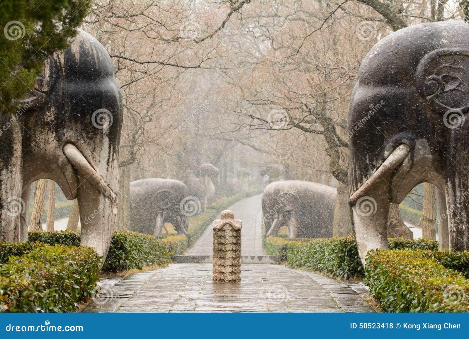 Stenelefanter 1