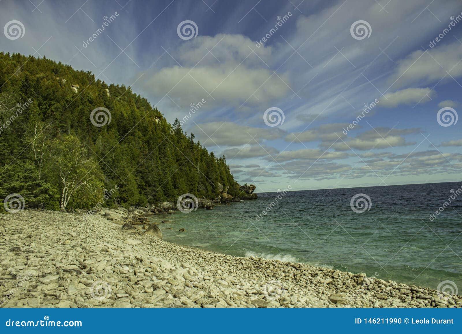 Stenen langs de Kust van Georgische Baai