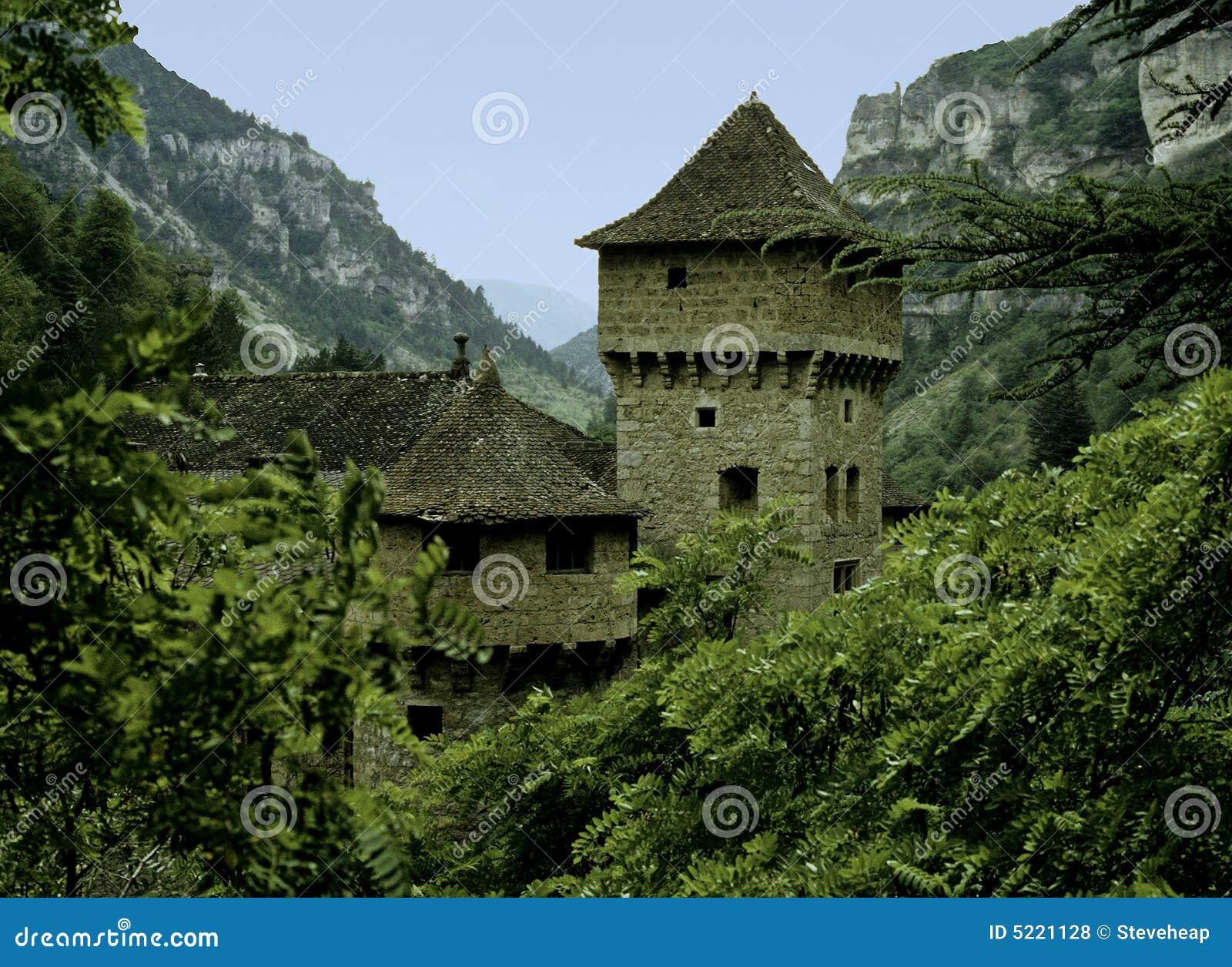 Stenig dal för slott