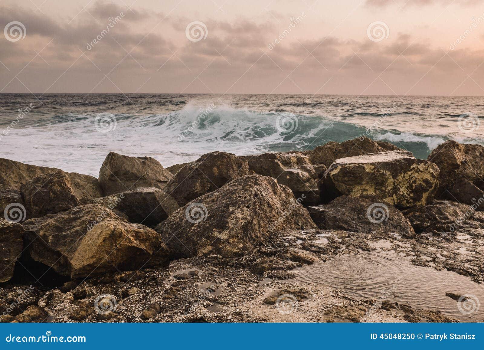 Stenkustlinje Cypern Arkivfoto Bild Av Vatten Väder 45048250