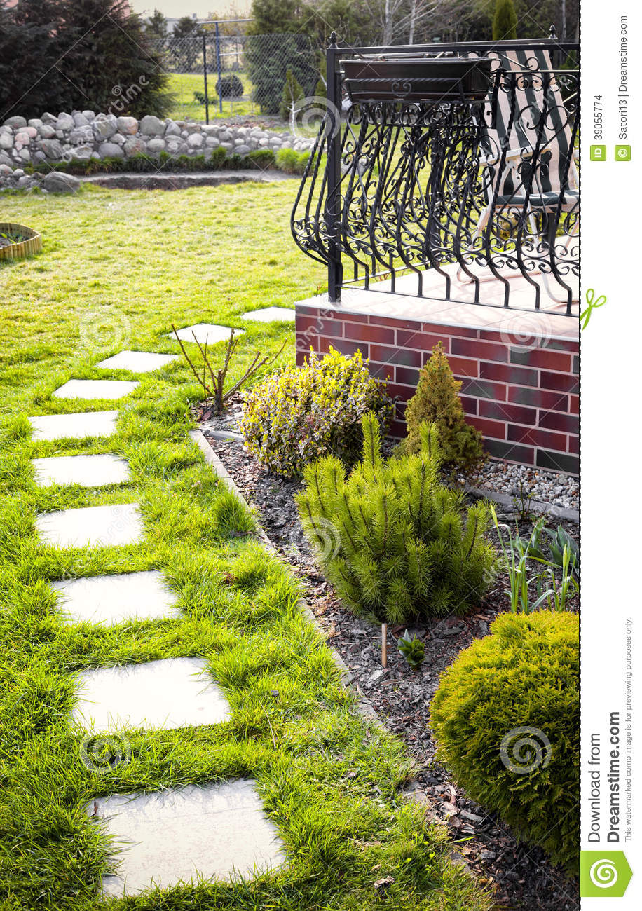 Stepping Stone Paving Slabs Stock Photo - Image of backyard, pathway ...