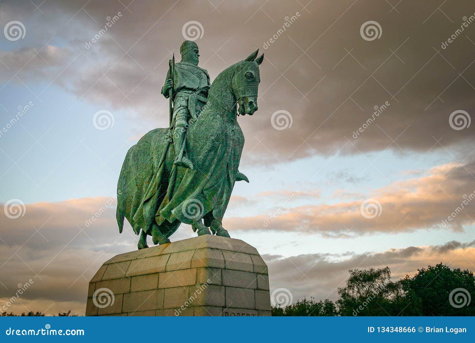 Sterling, unido Reino-Sept 18, 2011: Robert Bruce Statue