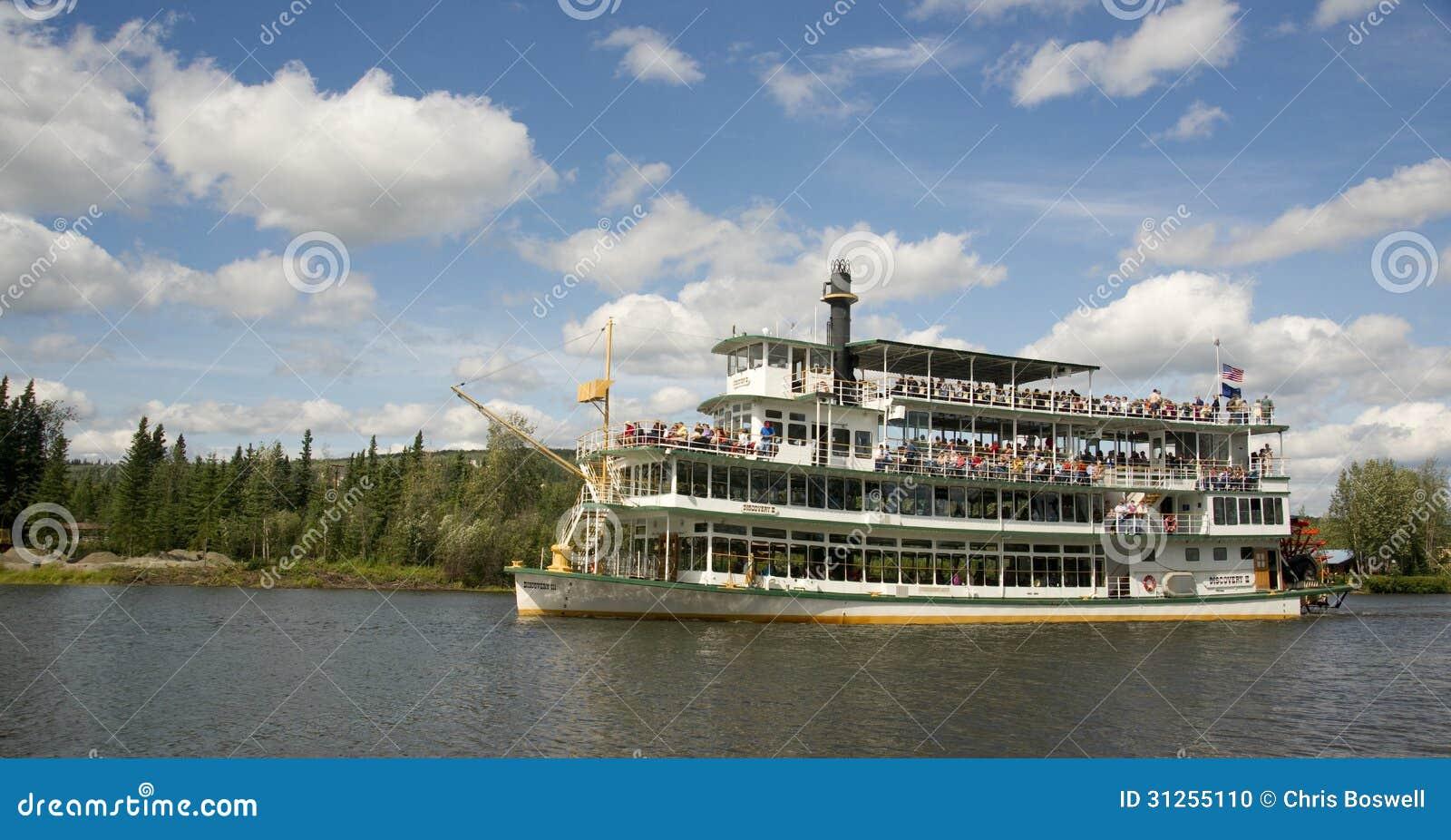 Sternwheeler Riverboat Paddle Steamer Vessel Moves ...