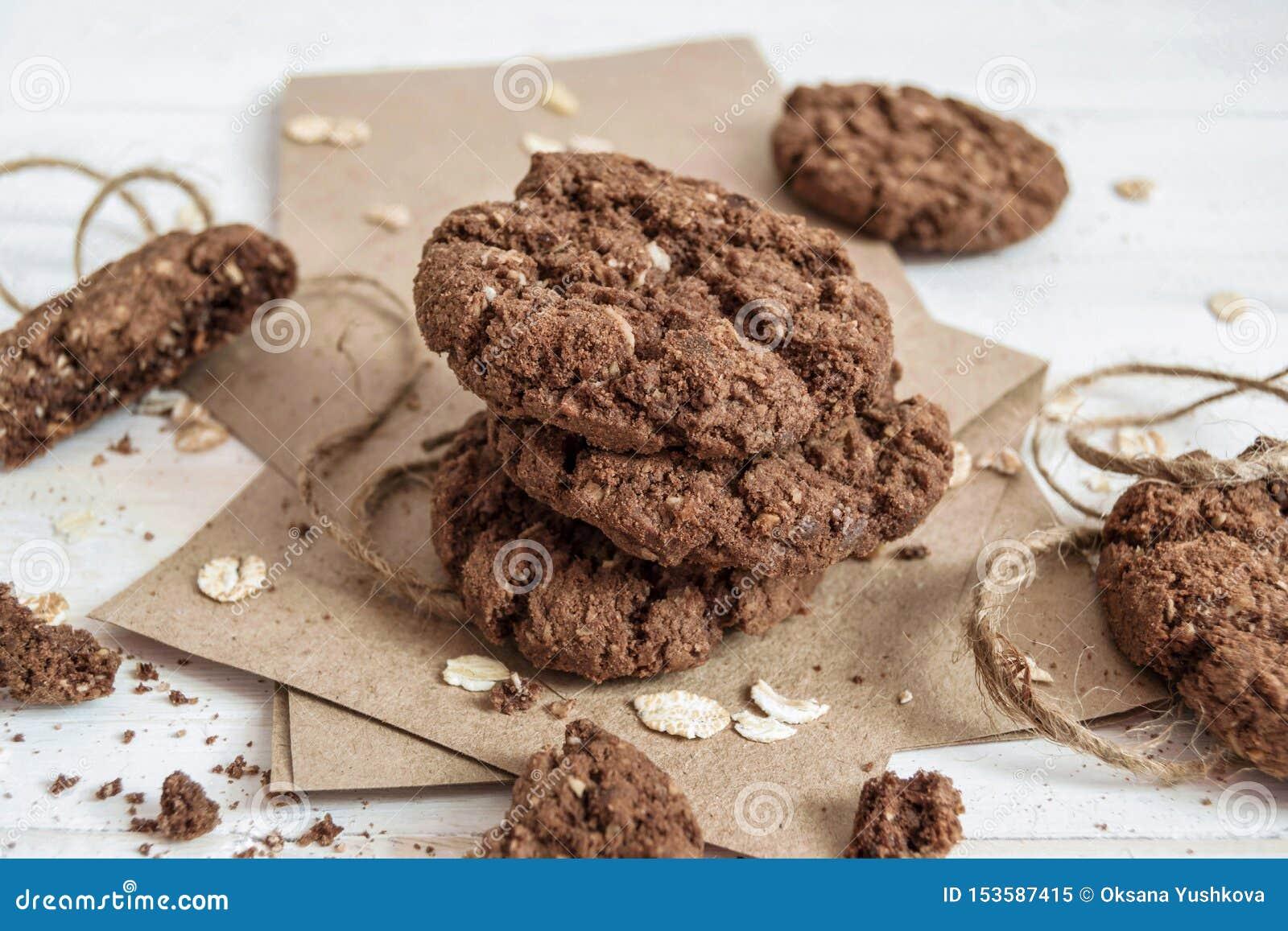 Sterta czekoladowi ciastka na rzemiosło papierze