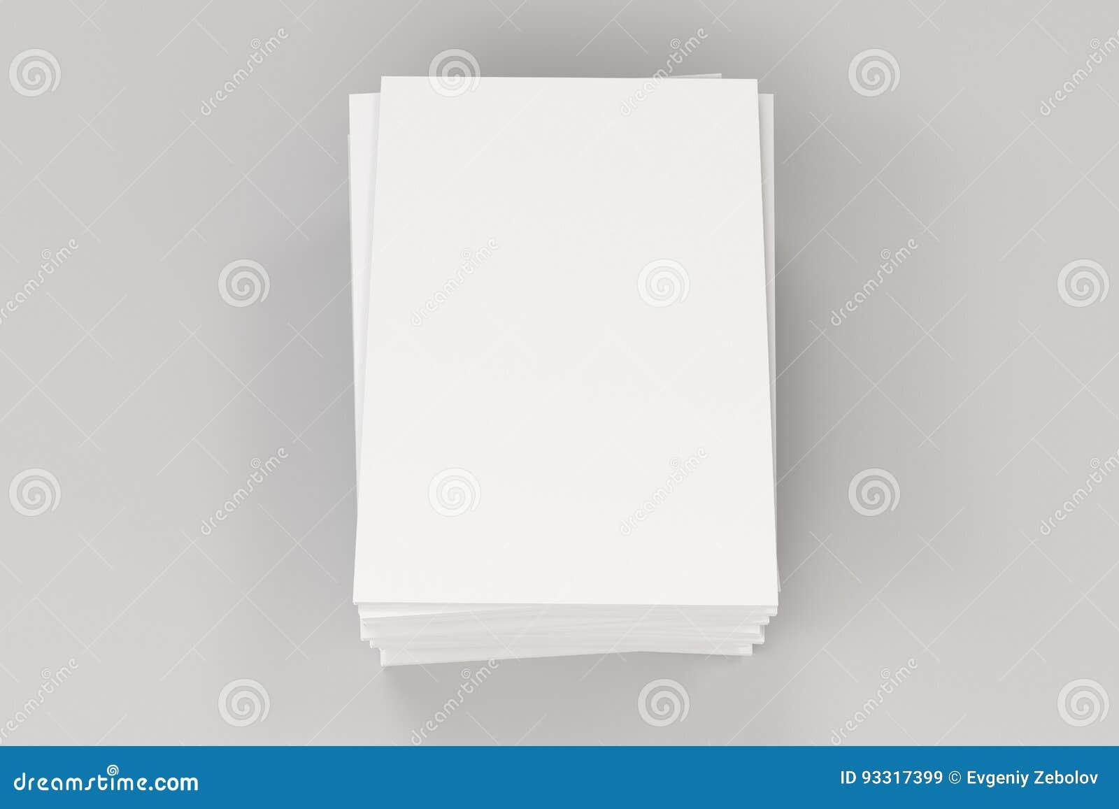 Sterta pusty biały zamknięty broszurka egzamin próbny na białym tle