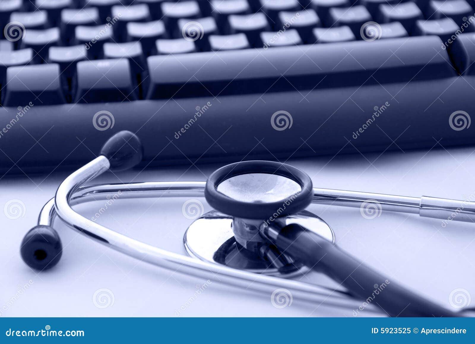 Stethoskop durch eine Computertastatur