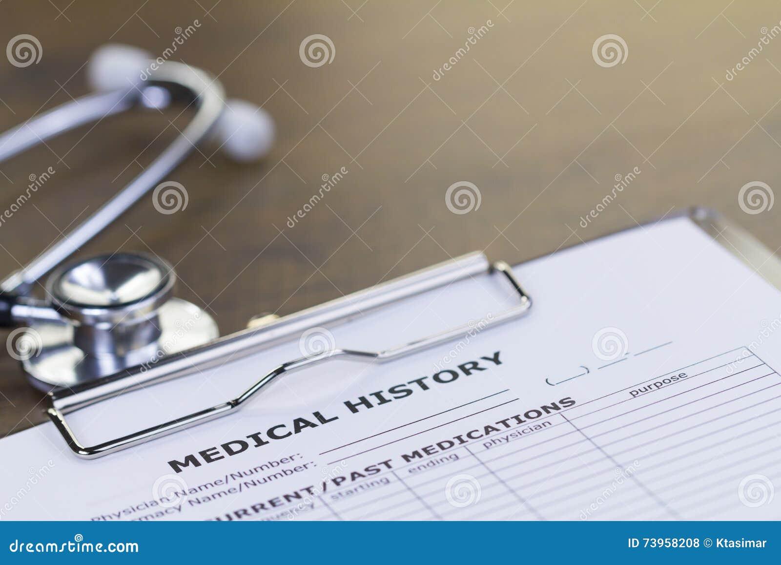 Stetoskop och rapport för medicinsk historia