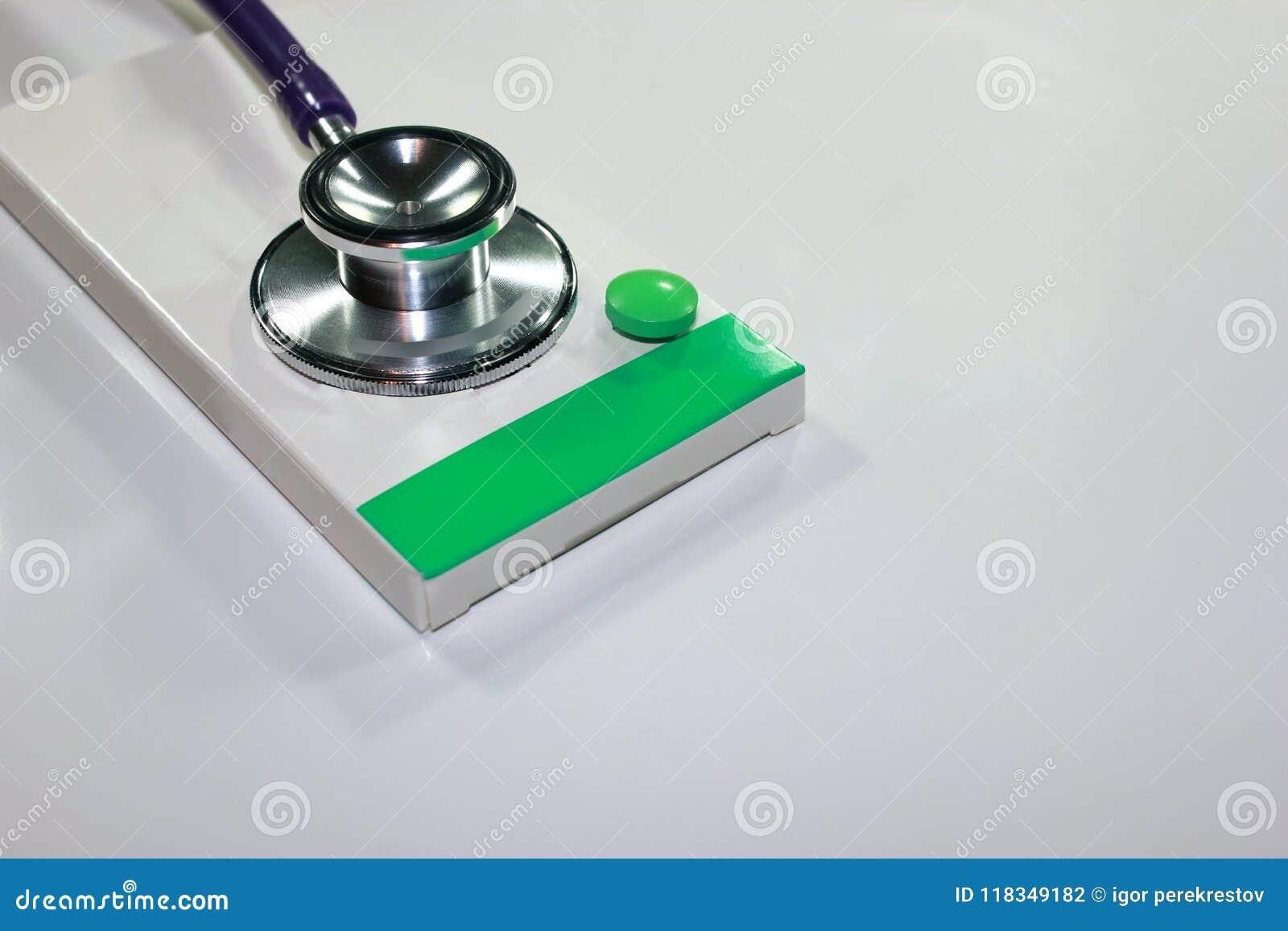 Stetoskopu dolar, wydatek na zdrowie lub pomoc finansowa,
