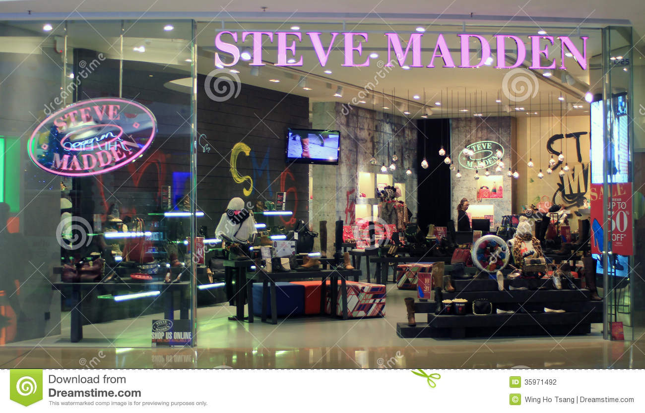 7c4c2a13aa1 Steve Madden Shop In Hong Kong Editorial Photography - Image of ...