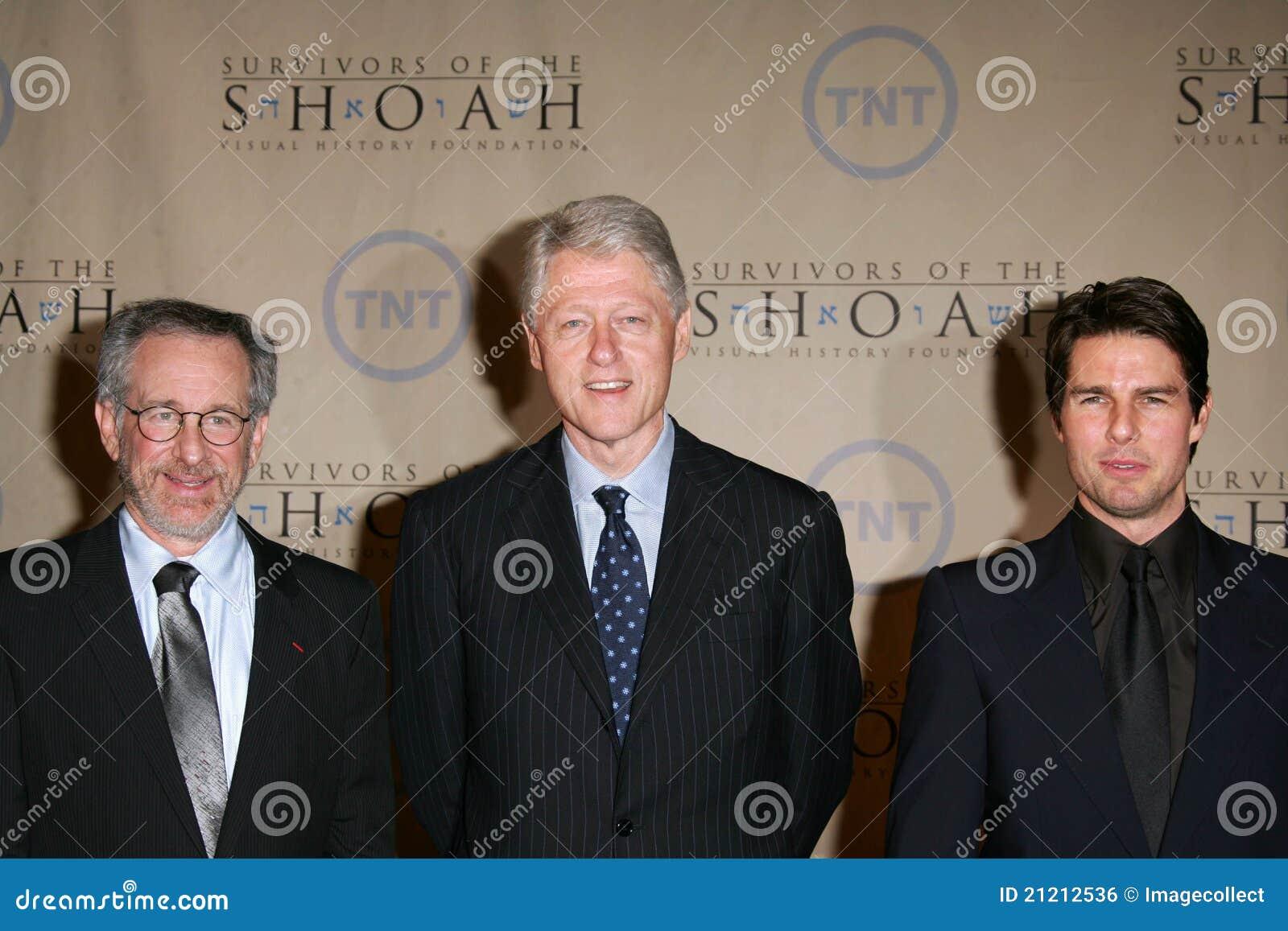 ¿Cuánto mide Steven Spielberg? - Altura - Real height Steven-spielberg-presidente-william-jefferson-clinton-tom-cruise-guillermo-jefferson-william-jefferson-clinton-21212536
