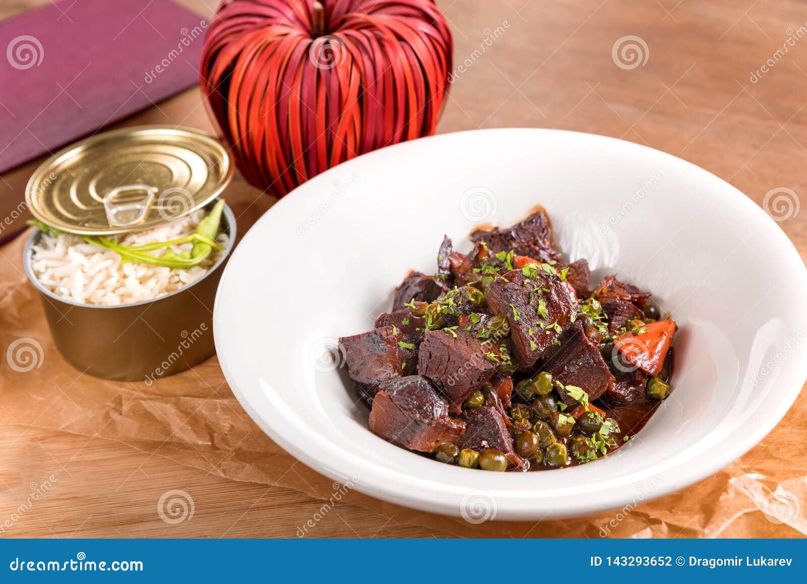 Stewed beef cheeks in red wine sauce