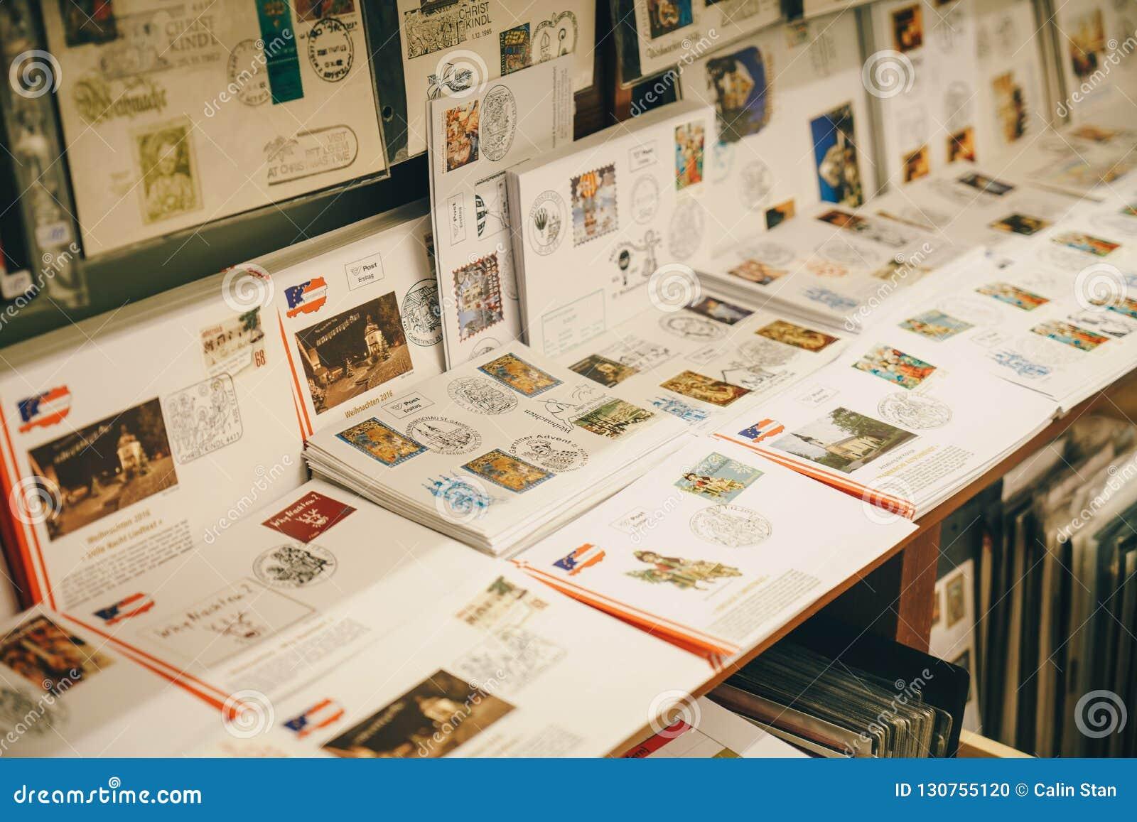 Steyr Österrike - December 2017: Stämplar och bokstäver inom Chen