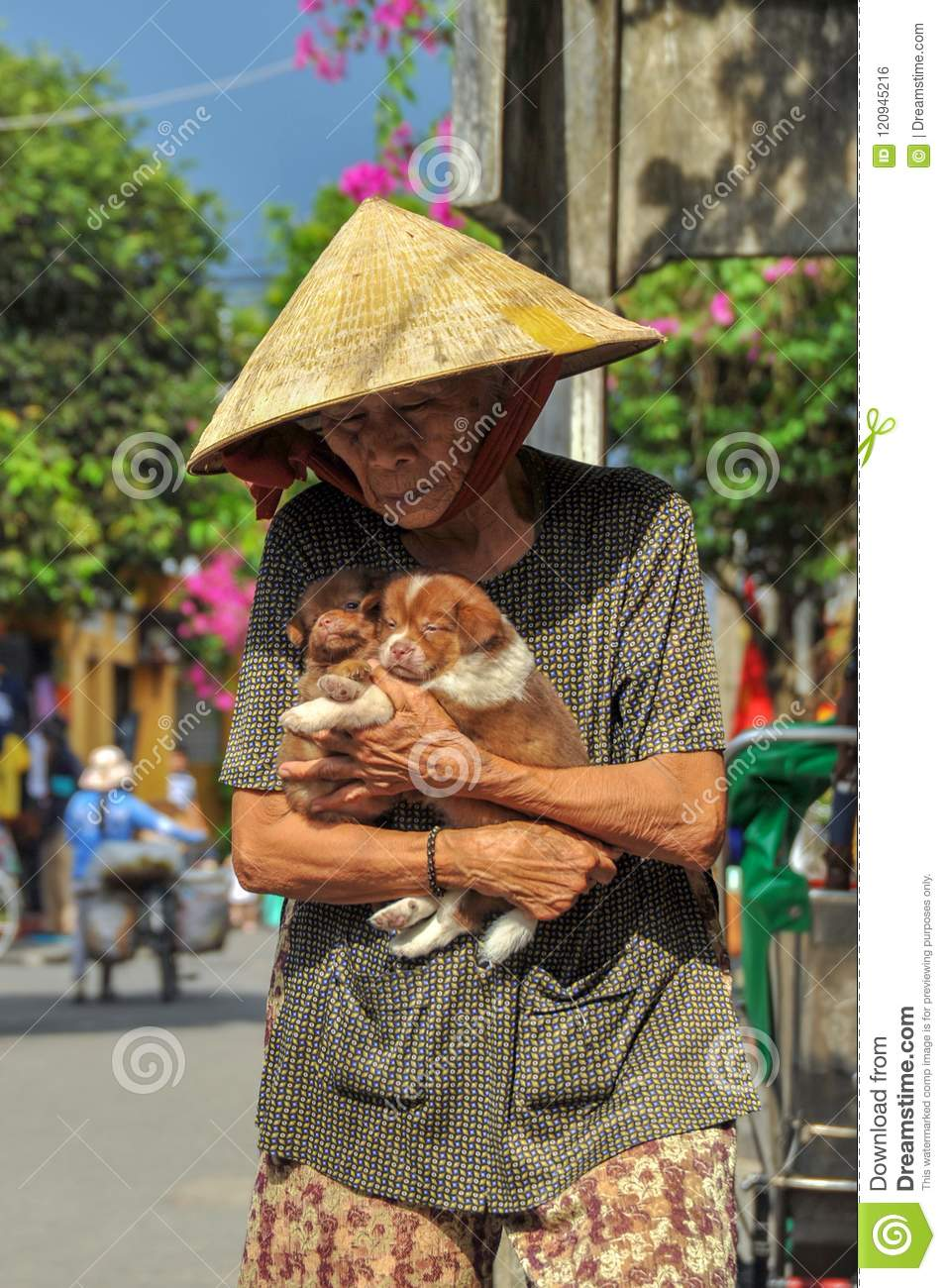 Stick together and help each other in difficulties,Hui An, Vietnam