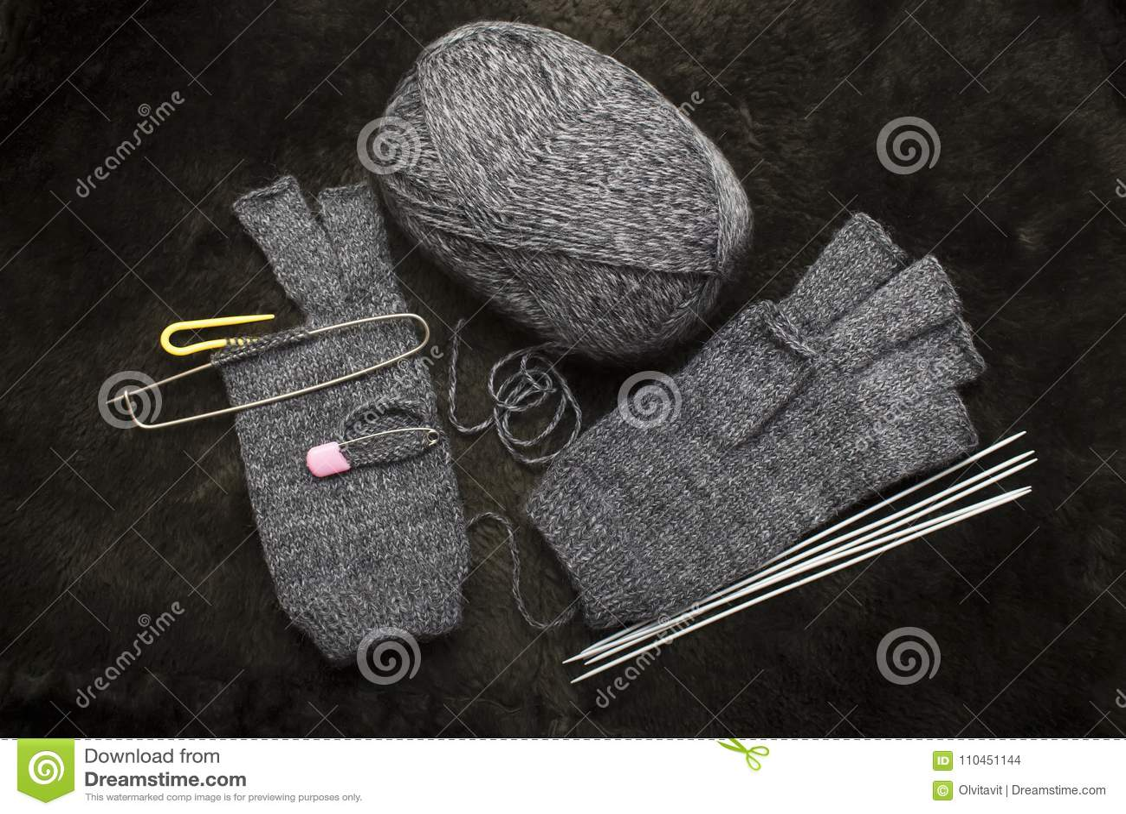 Sticka woolen tumvanten, handskar utan fingrar