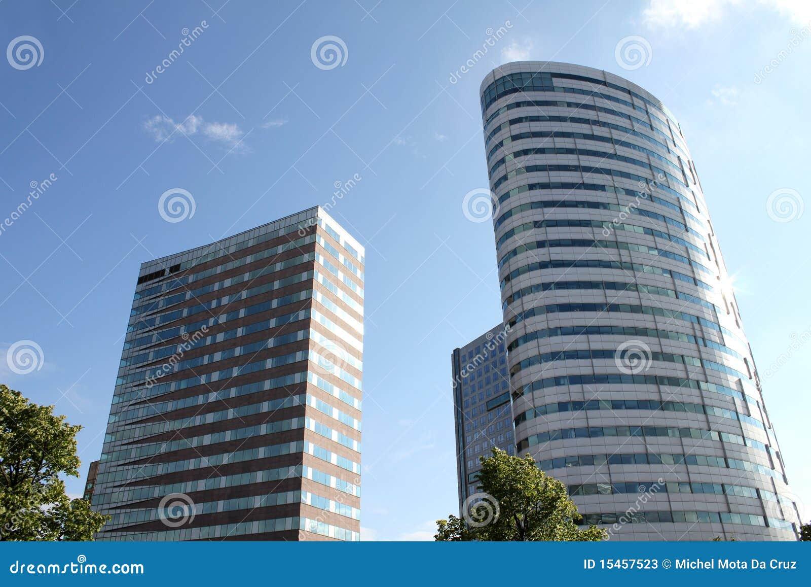 Stigning för högt kontor för byggnader
