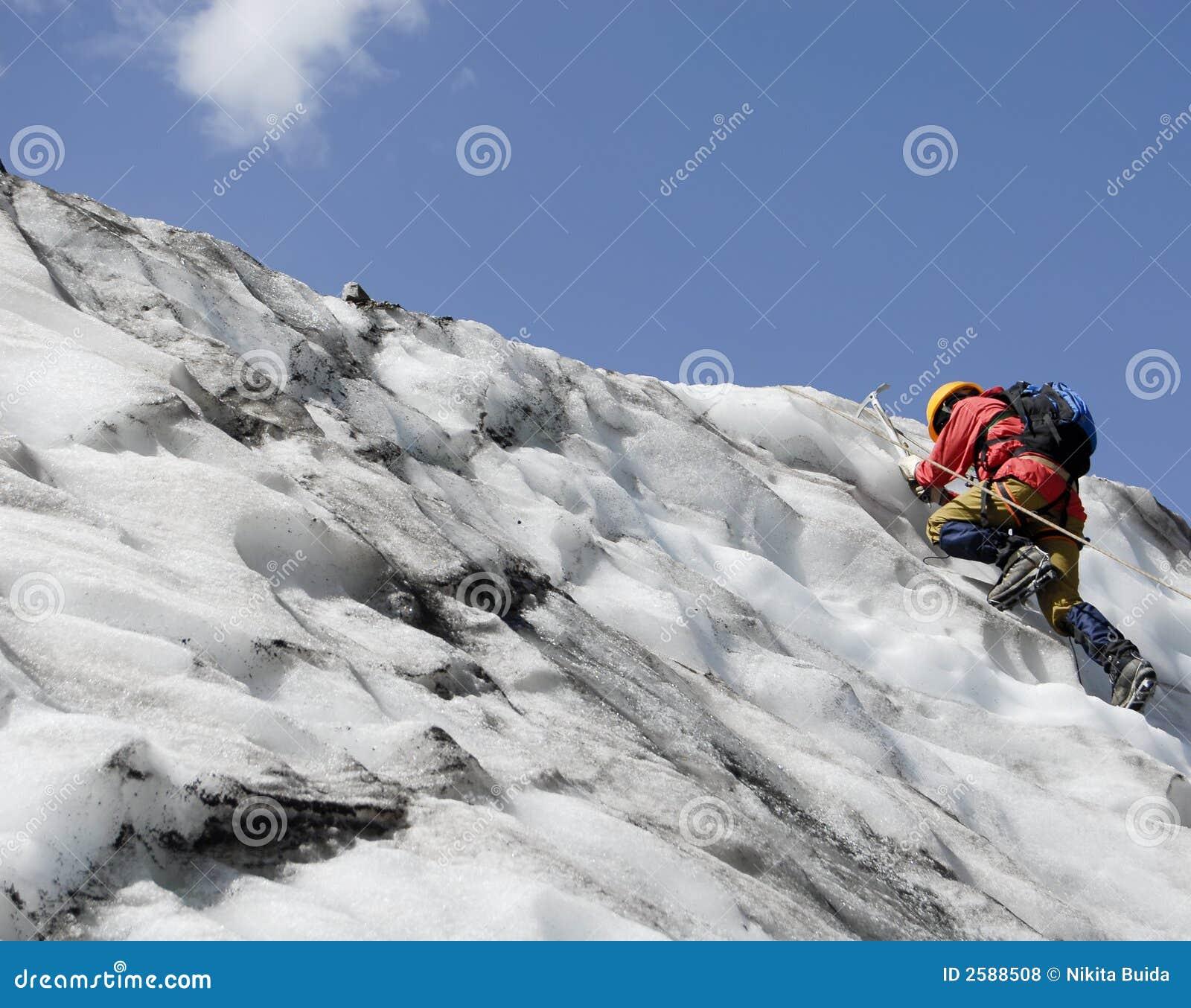 Stijgende bergbeklimmer