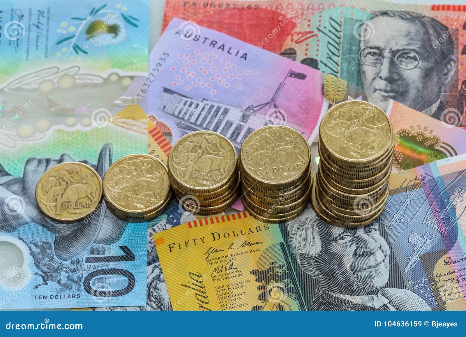 Download Stijgende Stapels Australische Dollarmuntstukken Stock Afbeelding - Afbeelding bestaande uit nota, increasing: 104636159