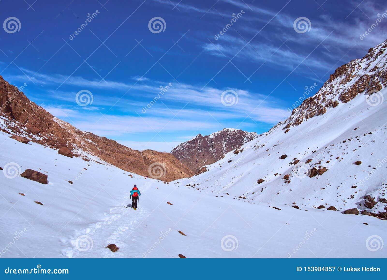 Stijgingssleep terug naar de vallei Imlil in Marokko