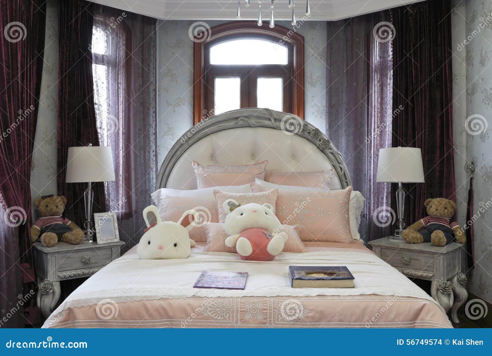Camere Da Letto Stile Francese : Stile francese della camera da letto fotografia stock immagine