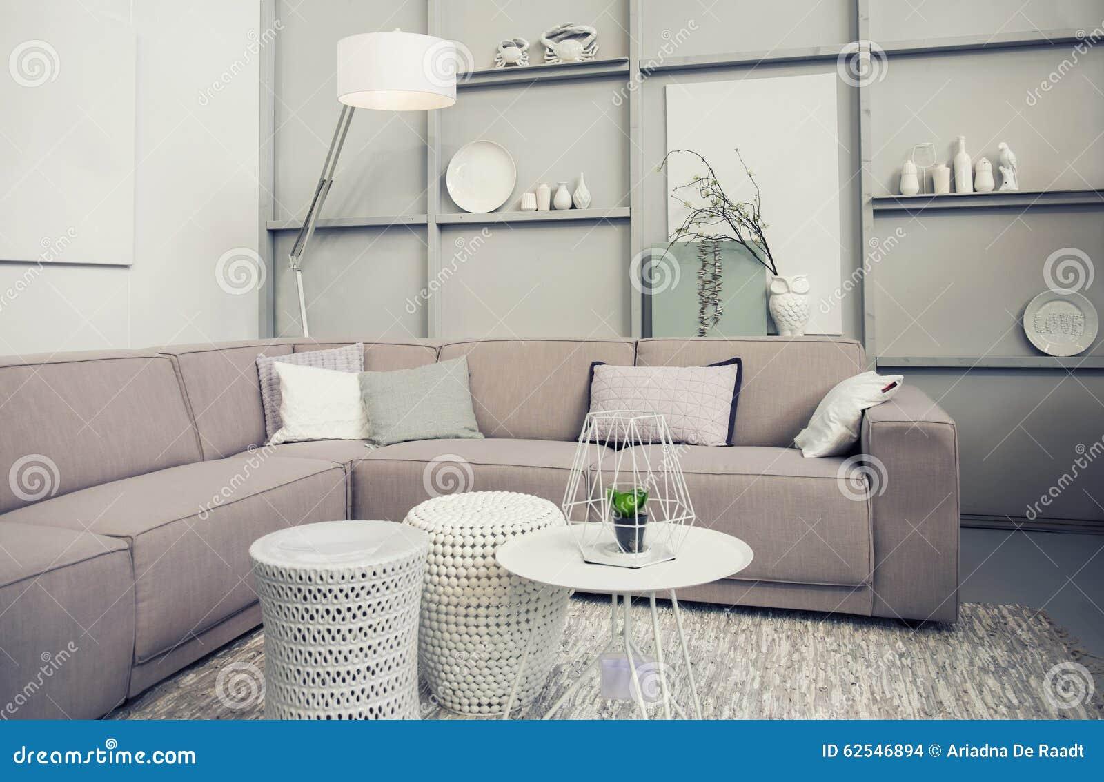 Vardagsrum Retro : Stilfull retro vardagsrum arkivfoto bild