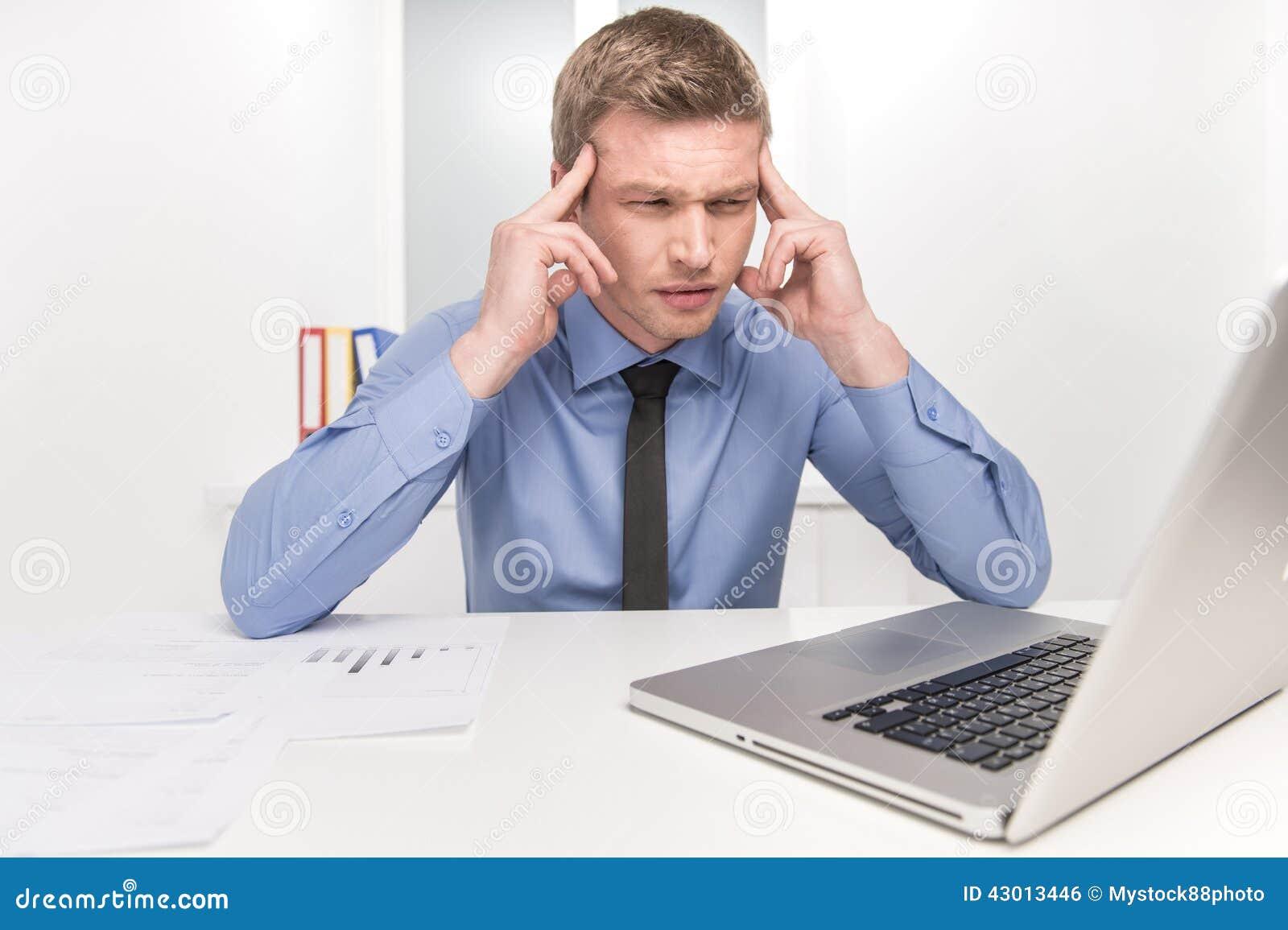 huvudvärk och trötthet