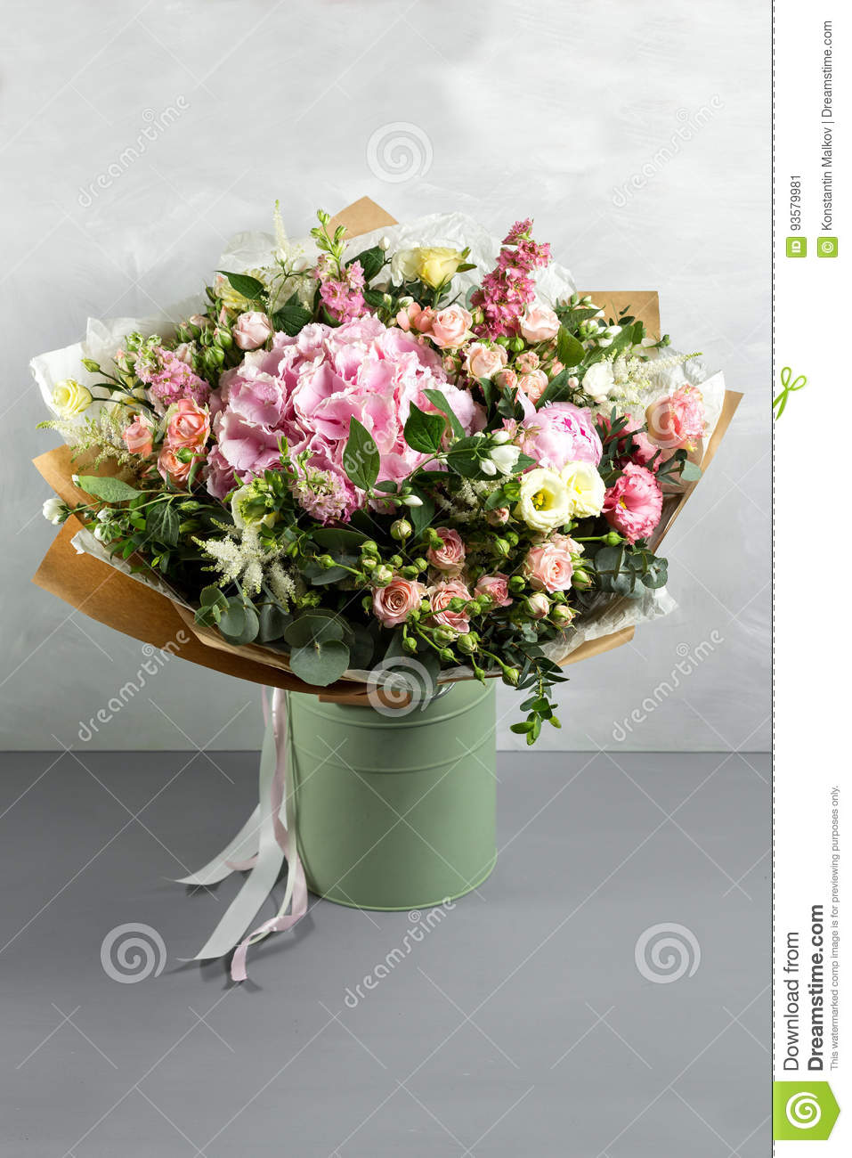 Still life with a bouquet of flowers the florist put together a download comp izmirmasajfo