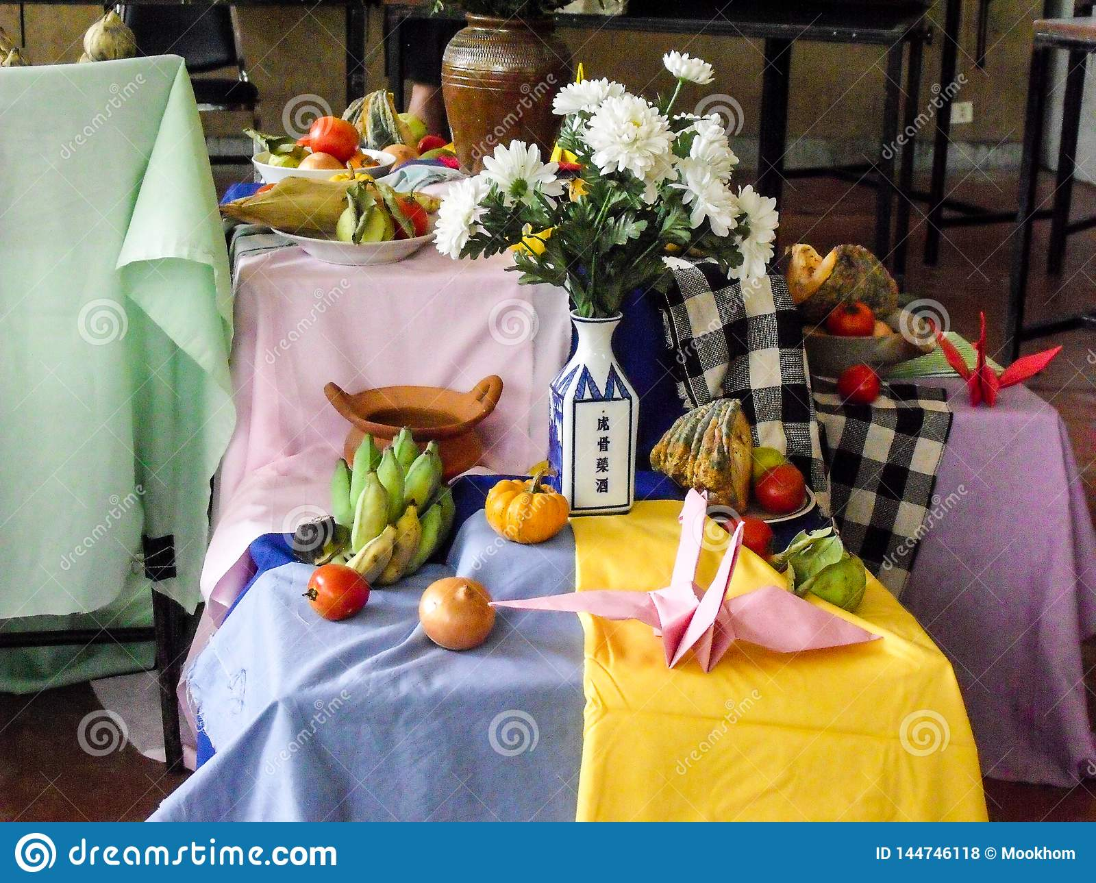 Still Life Flowers And Fruits In For Painting Lessons Stock Photo Image Of Education Flora 144746118