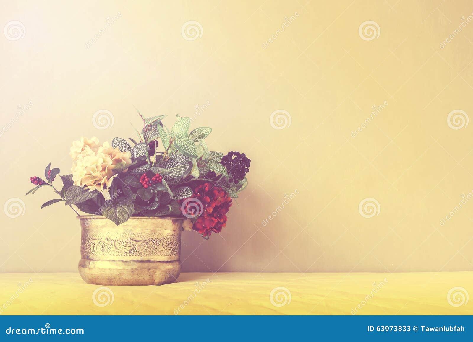 Stilleben med en härlig grupp av blommor, tappningfärgsignal