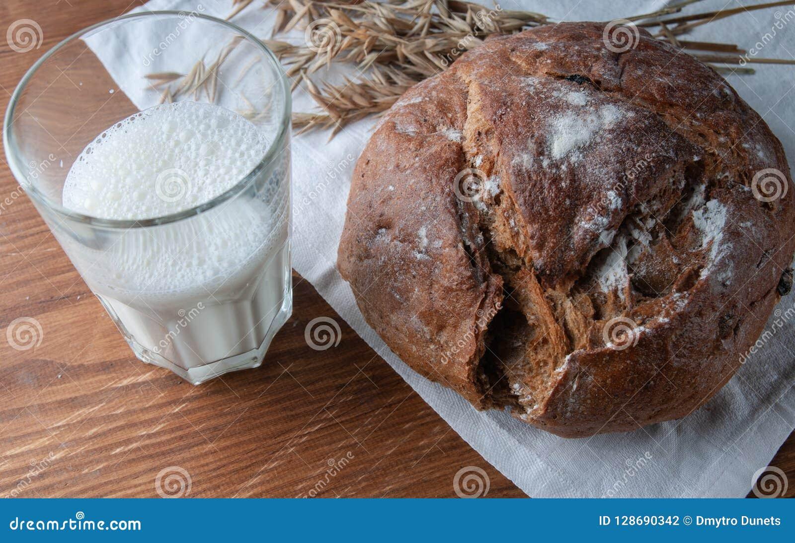 Stilleben på ämnet av bröd,