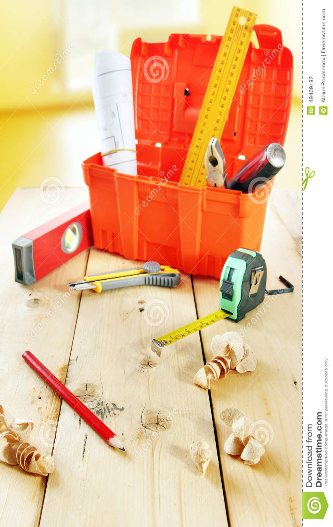 Download Stillleben Mit Arbeitsgeräten Auf Dem Hölzernen Werktisch Stockfoto - Bild von blatt, dreieck: 49409182