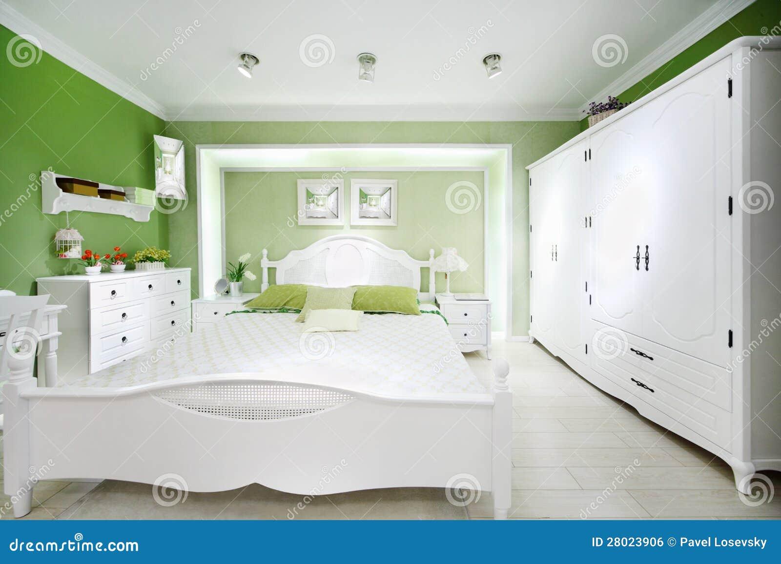 Stilvolles Grünes Schlafzimmer Stockfoto - Bild von luxus, dekor ...