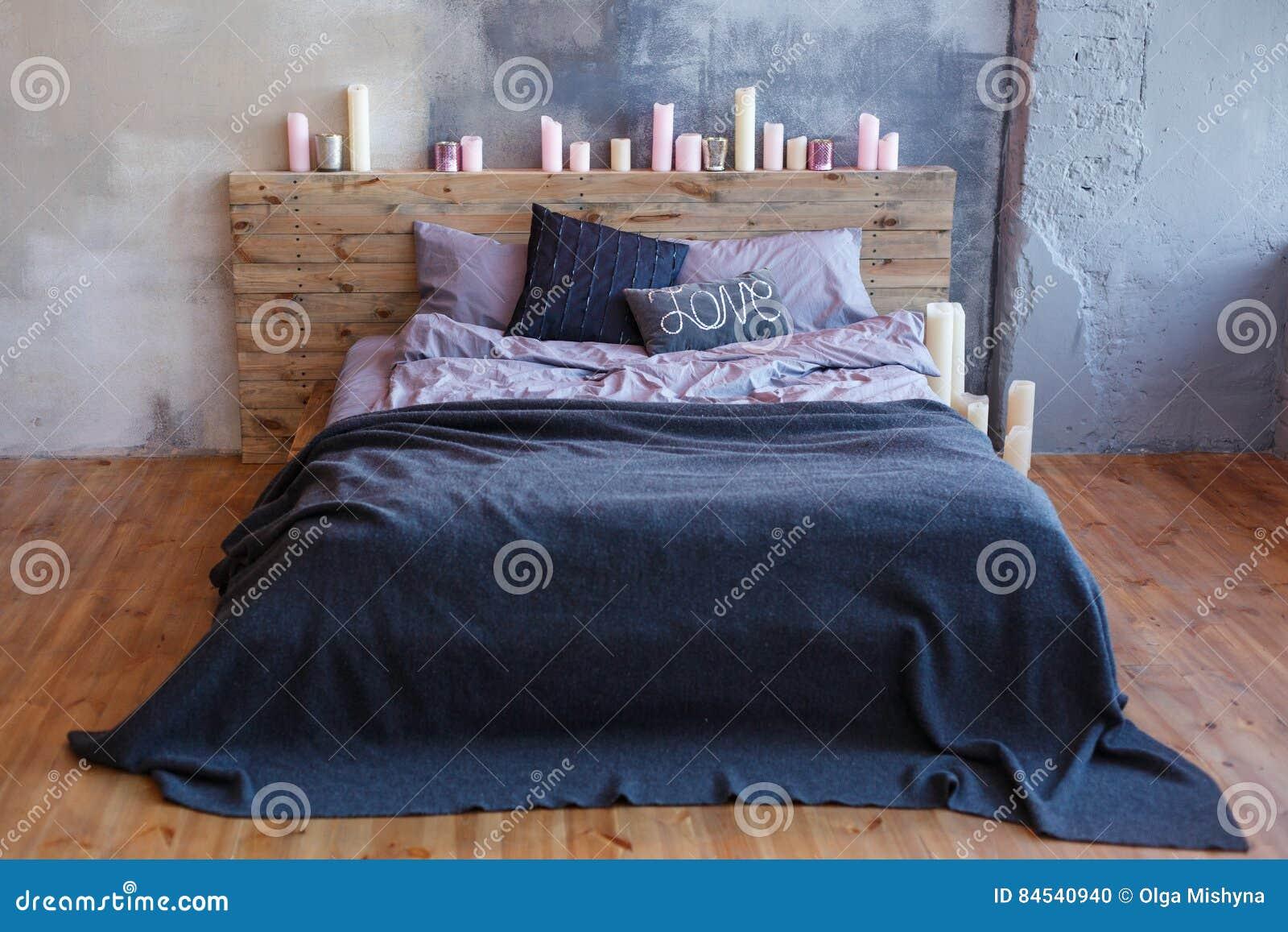 schlafzimmer kerzen, stilvolles schlafzimmer in der dachbodenart mit grauen farben und, Design ideen