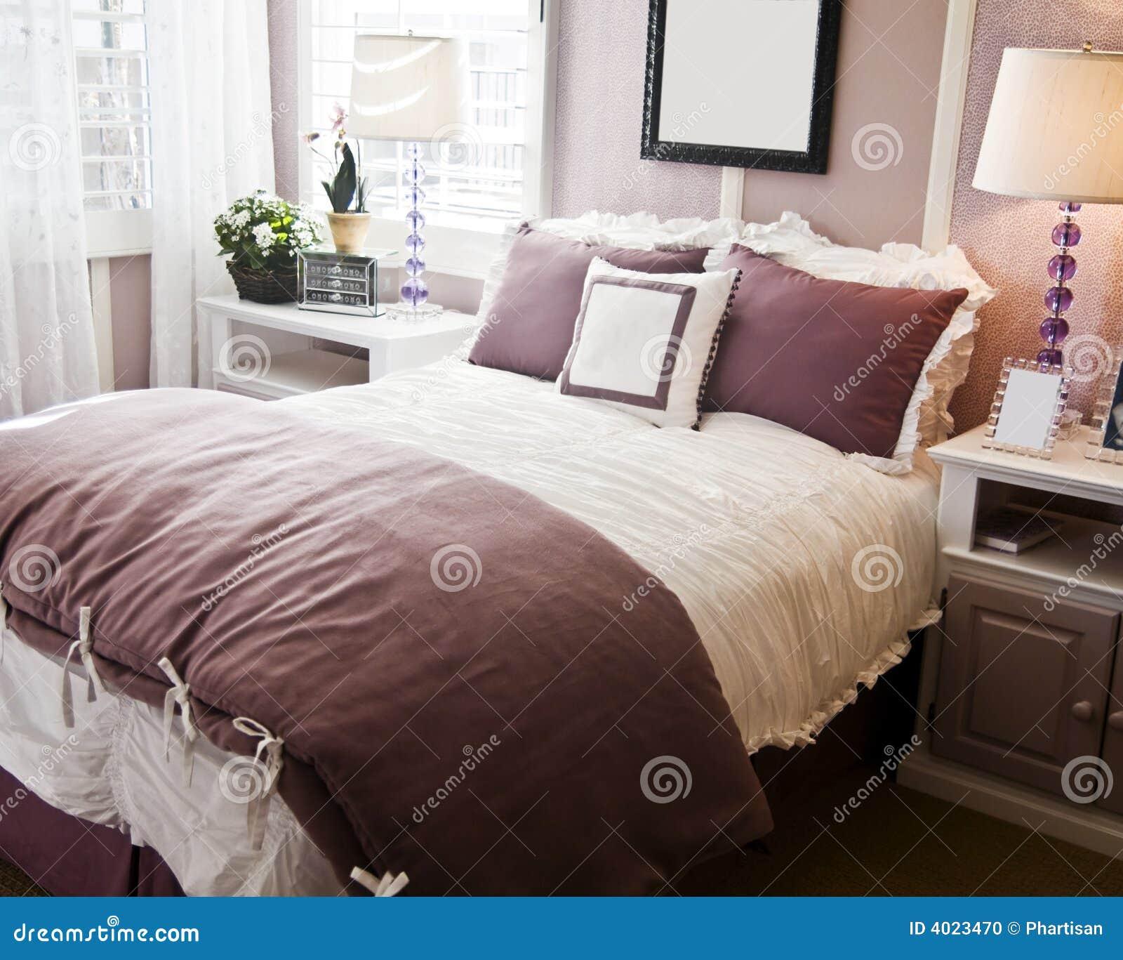 stilvolles schlafzimmer innenarchitektur stockfoto bild. Black Bedroom Furniture Sets. Home Design Ideas