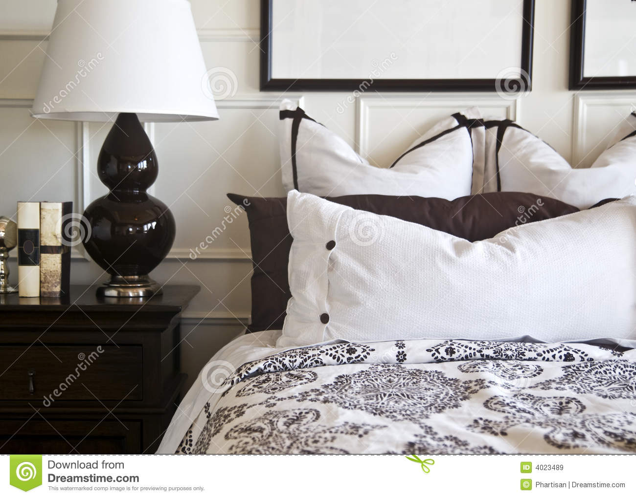 stilvolles schlafzimmer innenarchitektur stockbild bild. Black Bedroom Furniture Sets. Home Design Ideas